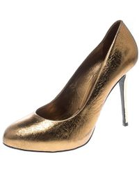 Tory Burch - Metallic Bronze Crackled Leather Jenna Pumps Size 41 - Lyst
