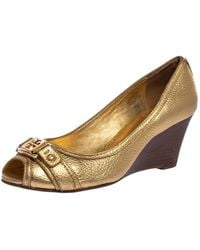Tory Burch Gold Textured Leather Wedge Peep Toe Court Shoes - Metallic