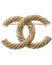 Chanel - Cc Crystal Embellished Textured Tone Pin Brooch - Lyst