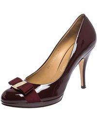 Ferragamo Burgundy Patent Leather Carla Vara Bow Court Shoes - Multicolour