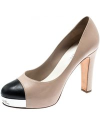 00015b4bbe84 Chanel - Beige And Black Leather Cap Toe Metal Platform Pumps Size 38 - Lyst