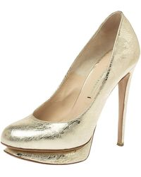 Nicholas Kirkwood Metallic Gold Floral Textured Leather Round Toe Platform Court Shoes