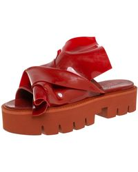 N°21 X Kartell Red Rubber Knot Platform Slides Sandals