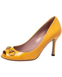 Gucci - Yellow Patent Leather Horsebit Peep Toe Pumps - Lyst