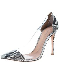 Gianvito Rossi - Two Tone Python Leather And Pvc Plexi Pumps Size 37.5 - Lyst
