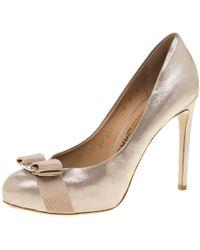 Ferragamo Metallic Beige Leather Carla Vara Bow Pumps Size 37.5 - Natural