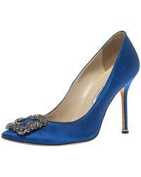Manolo Blahnik Bllue Satin Hangisi Crystal Embellished Court Shoes - Blue