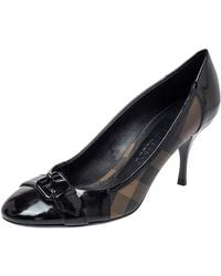 Burberry Black Nova Check Coated Canvas And Patent Leather Buckle Round Toe Pumps