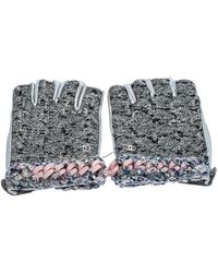 Chanel Grey/pink Tweed And Leather Fingerless Gloves - Gray