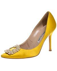 Manolo Blahnik Yellow Satin Hangisi Embellished Pointed Toe Pumps Size 39.5