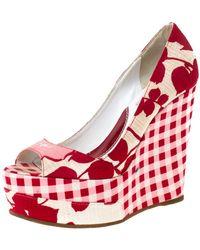 KENZO Red/white Printed Canvas Peep Toe Checkered Wedge Pumps