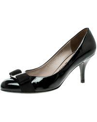 Ferragamo Black Patent Leather Carla Vara Bow Pumps Size 38
