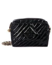 936de7a49db97e Chanel - Vintage Patent Quilted Camera Bag Black - Lyst