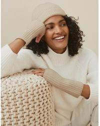 The White Company Cashmere Ribbed Wrist Warmers - Natural