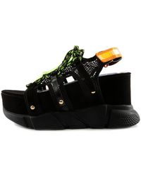 Liliana Seyo-22 Chunky Sole Sandals - Black