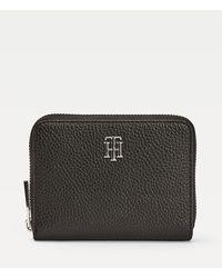 Tommy Hilfiger Th Essence Medium Zip-around Portemonnee Met Monogram - Zwart
