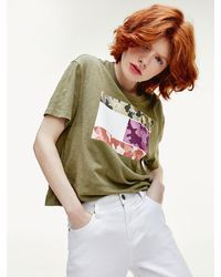 Tommy Hilfiger Camouflage Flag Print Cropped Fit T-shirt - Green