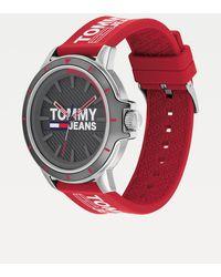 Tommy Hilfiger Horloge Met Rode Siliconen Band - Rood