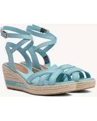 db0aaec4665958 Tommy Hilfiger Logo Strap Wedge Sandals in Blue - Lyst