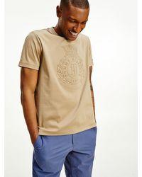 Tommy Hilfiger T-shirt Met Luxe Logo In Reliëf - Naturel