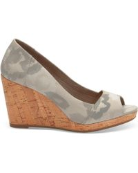 TOMS - Natural Watercolor Floral Women's Stella Wedges - Lyst