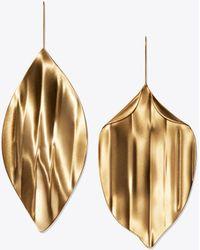 Tory Burch - Mismatched Leaf Earring - Lyst