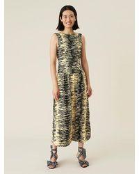 Ganni Robe mi-longue sans manches en satin froissé Banane pâle - Multicolore