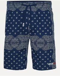 Tommy Hilfiger Tommy Jeans Shorts de baloncesto con estampado de pañuelo Azul