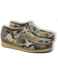 Clarks Zapatos de ante Wallabee (camuflaje blanco roto) - Verde