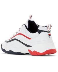 Fila Chaussures basses basses blanches, bleu marine et rouges