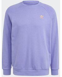 adidas Sudadera violeta claro con cuello redondo Trefoil Essentials Loungewear - Morado