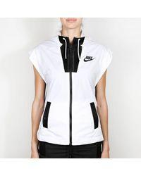 Nike Chaleco Hypermesh Tech blanco y negro