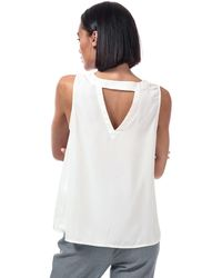 Vero Moda Https://www.trouva.com/it/products/vero-moda-vero-moda-v-neck-sleeveless-top - Bianco