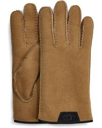 UGG Shearling Glove With Leather Trim pour - Marron