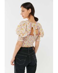 Urban Outfitters - Uo May Smocked Puff Sleeve Cropped Top - Lyst