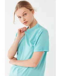 26e9fd80 Urban Outfitters Bdg Cropped Chambray Shirt in Blue - Lyst