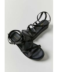 INTENTIONALLY ______ Sum-2 Strappy Platform Sandal - Black