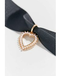 Urban Outfitters Adriana Pearl Heart Choker Necklace - Multicolor