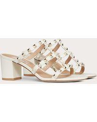 Valentino Garavani Valentino Garavani Rockstud Calfskin Leather Slide Sandal 60 Mm - White