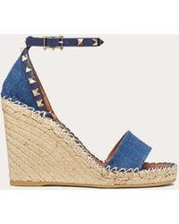 Valentino - Garavani Rockstud 95mm Wedge Sandals - Lyst