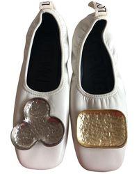 Loewe Ballerines en Cuir Blanc