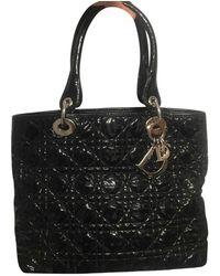 Dior Bolsa de mano en charol negro Lady