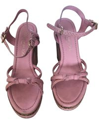 Louis Vuitton Sandalias en cuero rosa