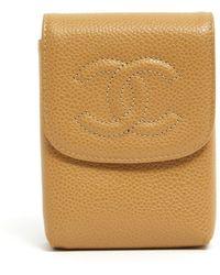 Chanel Bolsa clutch en cuero beige Timeless/Classique - Neutro