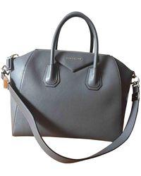 Givenchy Bolsa de mano en cuero gris Antigona
