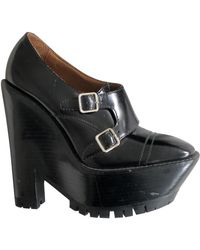Burberry Leather Heels - Black