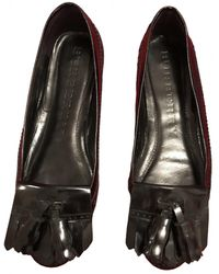 Burberry Patent Leather Flats - Black