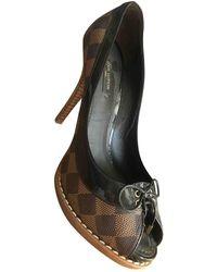 Louis Vuitton Escarpins Cherie en veau façon poulain - Marron