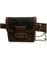 Louis Vuitton Dauphine Belt Bag Leinen Clutches - Braun