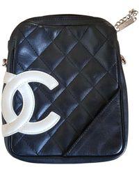Chanel Bolsa clutch en cuero negro Cambon